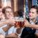 Beber con los amigos hace una amistad duradera